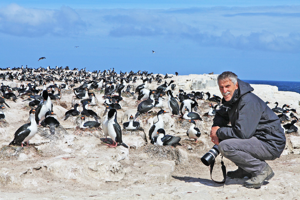 Our guest Gert Huijzers, keen nature photographer and birder at Sea Lion Island, the Falklands, during one of our photo safaris to this remarkable archipelago of the South Atlantic © Courtesy Stieneke Huijzers