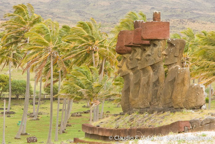 Ahu Nau Nau, Anakena, Easter Island (Rapa Nui), Chile © Claudio F. Vidal, Far South Expeditions